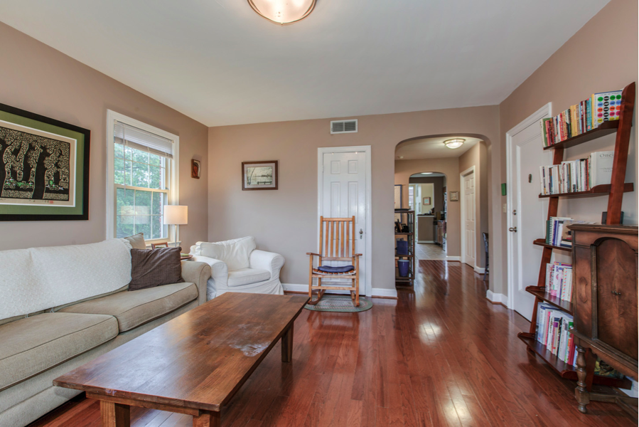 One Bedroom Plus Den Office Nook At The Takoma Park METRO