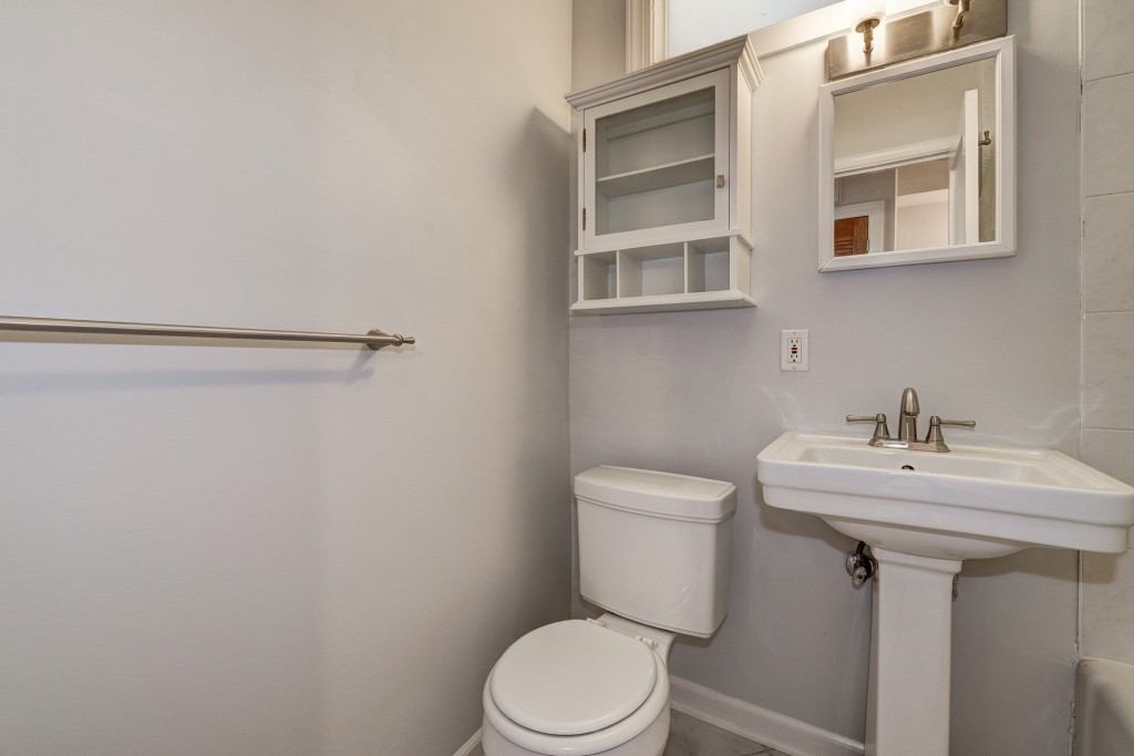 Tradition meets contemporary in this modern capitol hill condo - Easily accessible bathroom designs guide ...