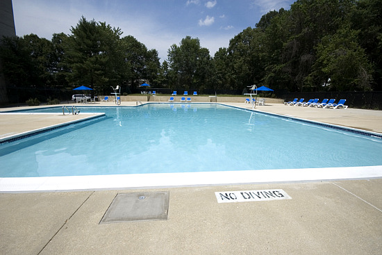 Parkfairfax pool