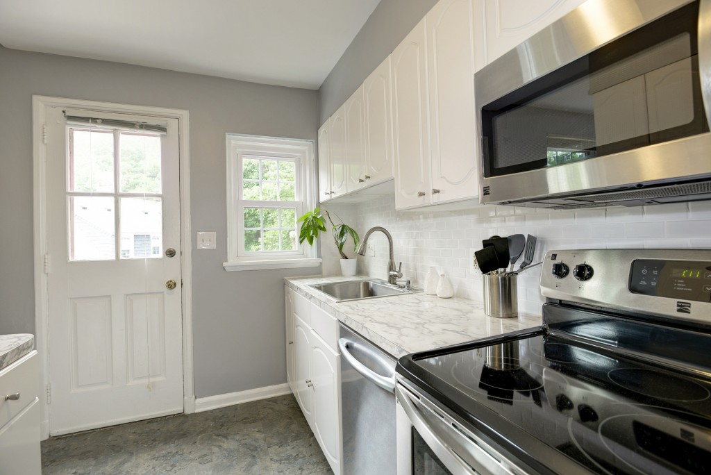 Live The Good Life In This Prime Fairlington Location